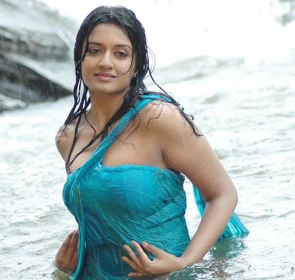 Actress VIMALA RAMAN Unseen Hot HD STILLS MEGA MEDIA