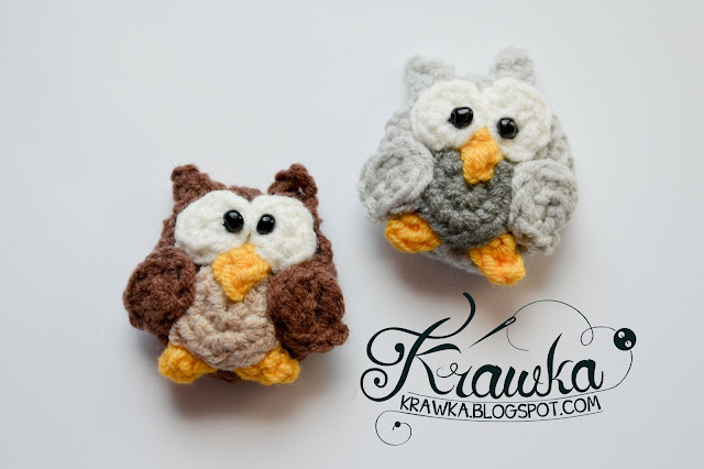 Krawka: Crochet buttons / pins/ brooshes: Two little owls