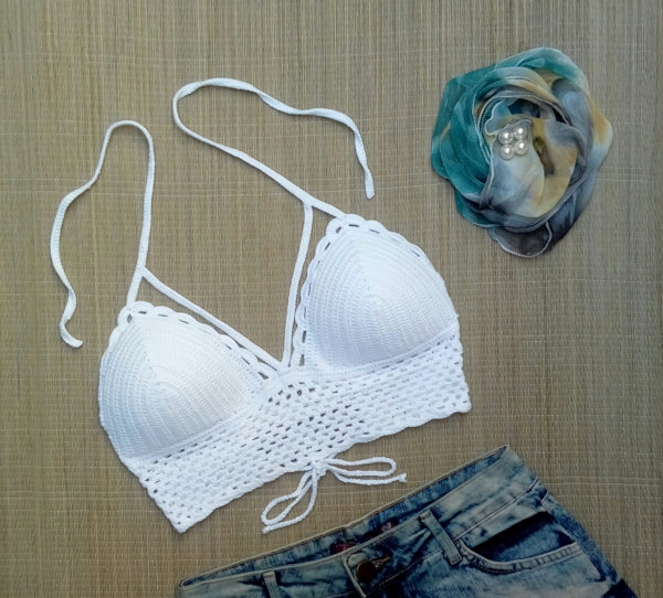 Top Cropped Crochê Branco Strappy Reveillon