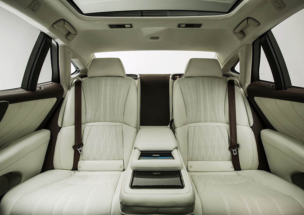 Lexus-LS-500-2018-23