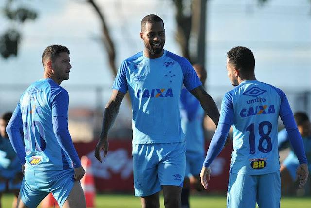 Com história de superação, Dedé volta a viver grande fase no Cruzeiro e empolga time