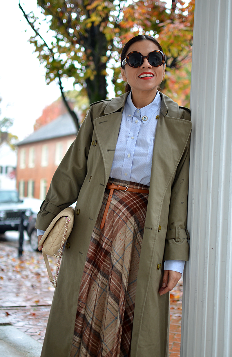 Plaid skirt street style