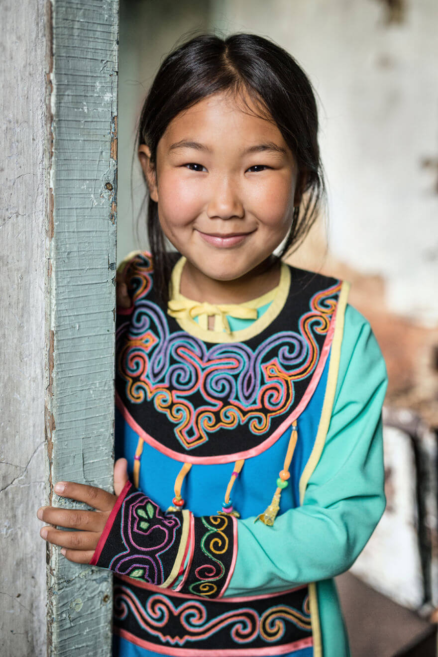 He Traveled 25000 Km In Siberia To Capture The Beauty Of Its Indigenous People With His Camera. The Pictures Are Breathtaking! - Uilta Little Girl