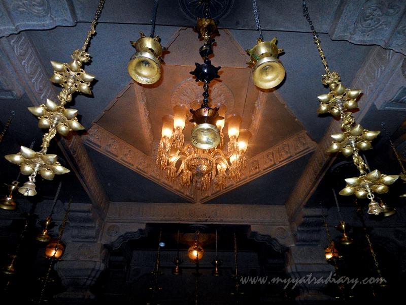 Deepmalas in Uttarakhand temple theme, Ganesh Pandal Hopping Mumbai