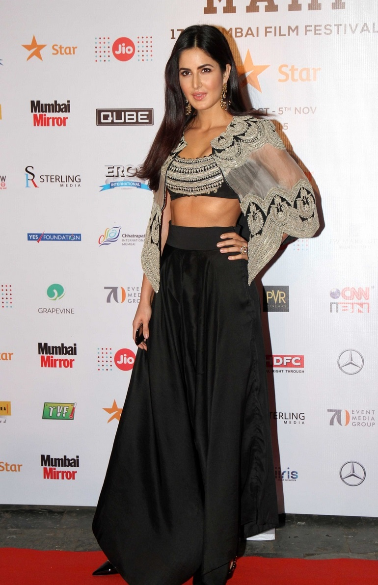 Gorgeous Katrina Kaif Hot Hip Navel Show Photos In Black Top Lehenga