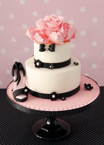 Vogue Wedding Cakes