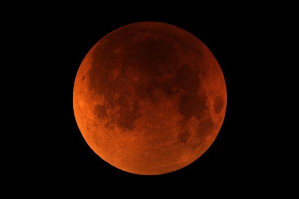 Μέτα την super Πανσέληνο έρχεται και ολική εκλειψη σελήνης