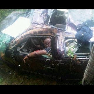 PICTURE: MC Loph At The Scene Of His Accident!!! 1