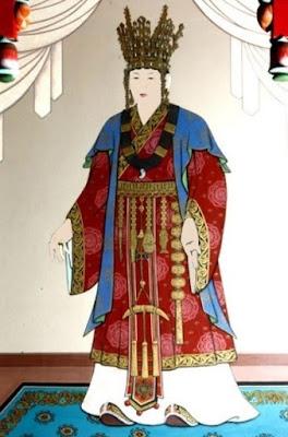 La gran reina Seondeok de Silla, de pie.