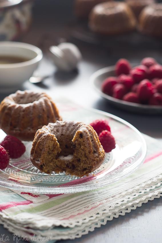 Mini bundt cakes de cereales solubles y chocolate sin lactosa - La Rosa Dulce