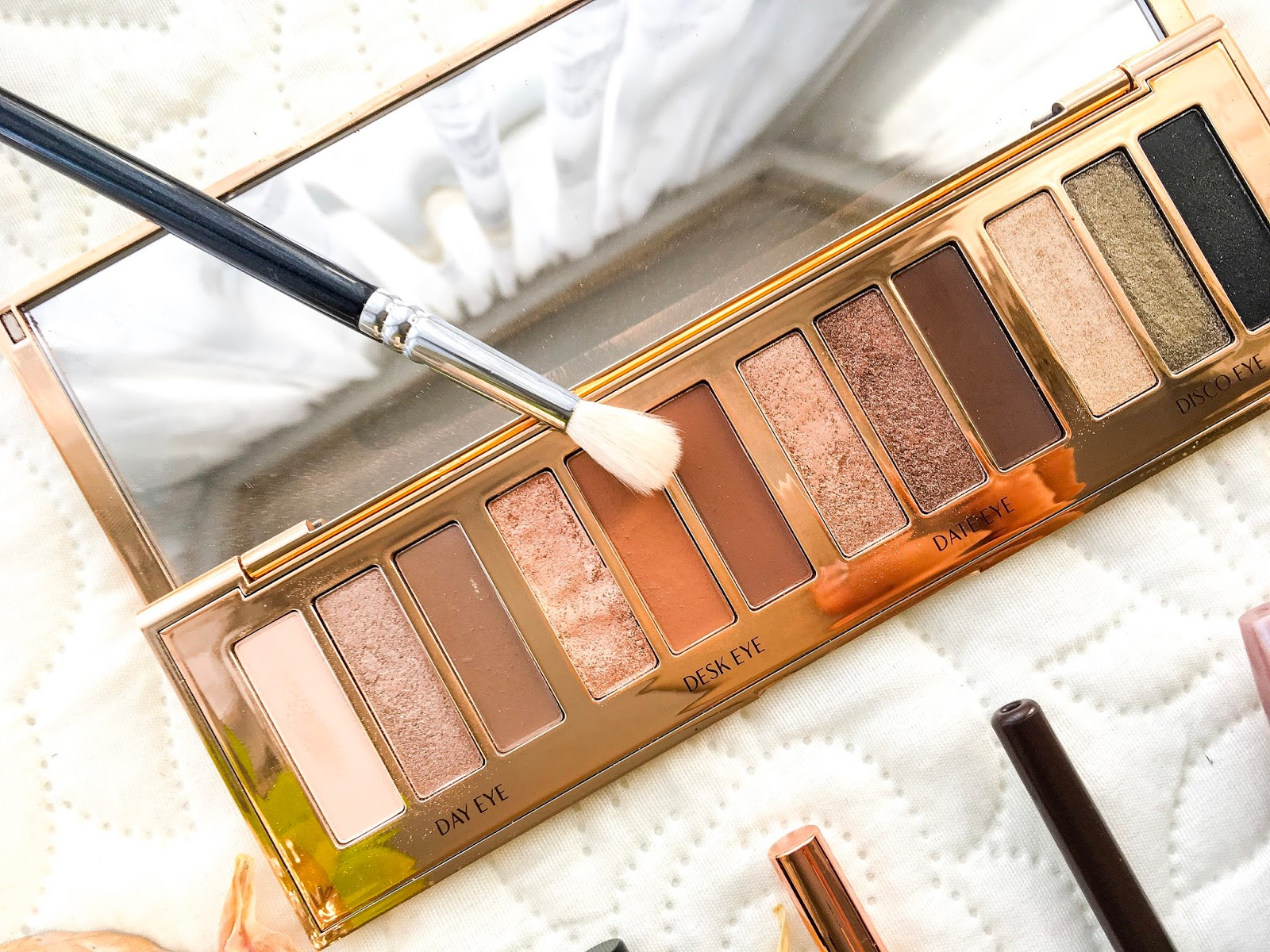 charlotte tilbury instant eye palette, zoeva eye brush