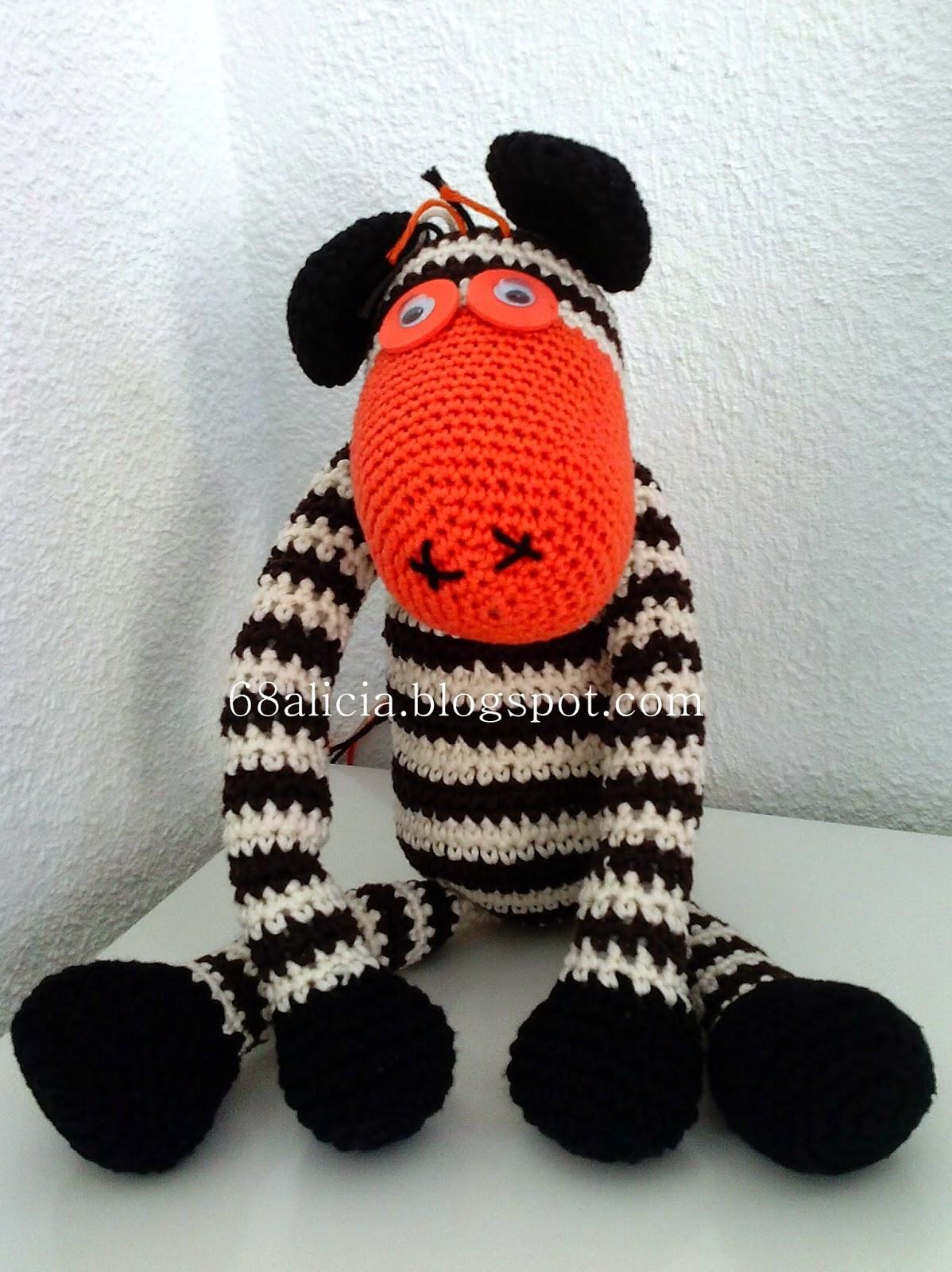 Crochet baby deer! Newborn cuddler. Deer in a sweater. www.etsy ... | 1600x1198