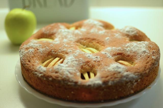 Mis recetas: tarta bizocho de manzana
