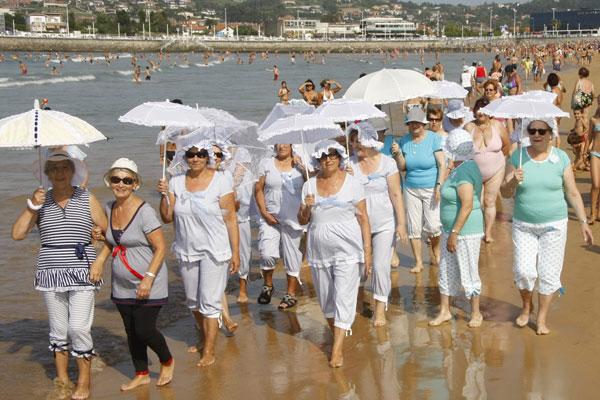 Banos De Epoca.Asociacion Libre De Mujeres De La Corredoria Banos De Ola