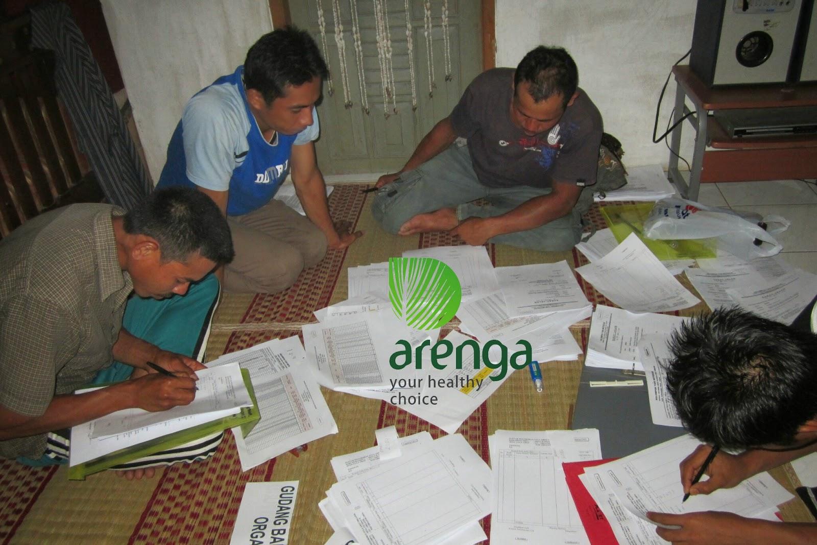 audit arenga organic. kelompok tani dalam proyek gula aren organik mempersiapkan dokumen