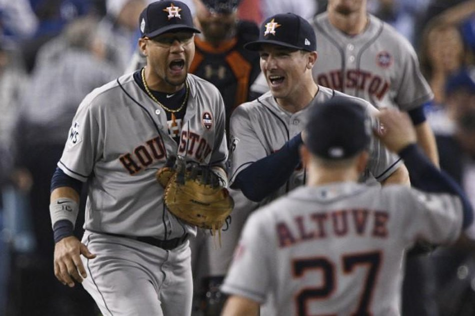 ca1aa0dacc3 The Houston Astros plan to keep the roof closed at their Minute Maid Park  for Game Three of the World Series against the Los Angeles Dodgers on  Friday in a ...