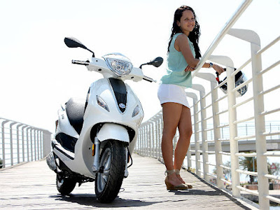 New 2016 Piaggio Fly 125cc Scooter with girl hd image