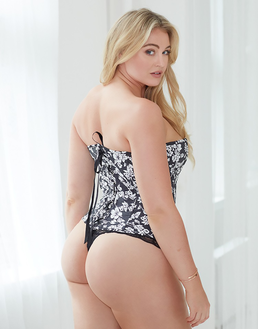 Iskra Lawrence Nudes And Ass Pics  Hot Sexy Ass-3198