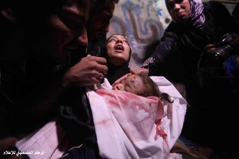 dead body, corpse, Gaza baby, mourning, abaya, burqa, crying, deceased, creepy, kekejaman israel, israel and palestine, syahid, gaza situation, save gaza