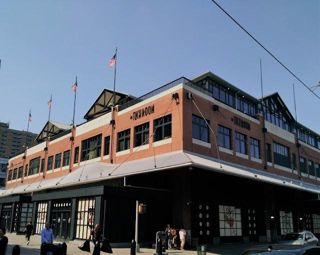Uma-miúda-em-Nova-Iorque-armazém-de-ideias-ilimitada-fulton-market