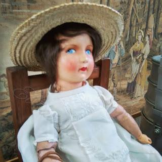 preciosa muñeca antigua del desembalaje de Noja