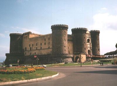 La ciudad de Nápoles, Lugares de Europa, Lugares de Italia, Castel Nuovo en Napoles, Que visitar en Italia, Lugares Sorprendentes,