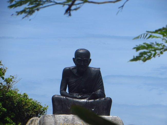 Памятник монаху остров Панган