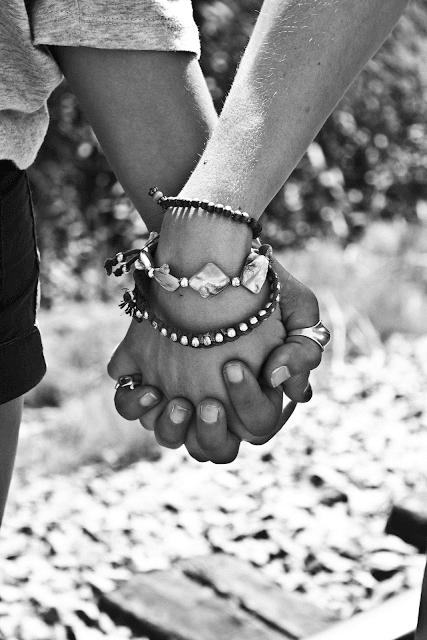 hand shake up