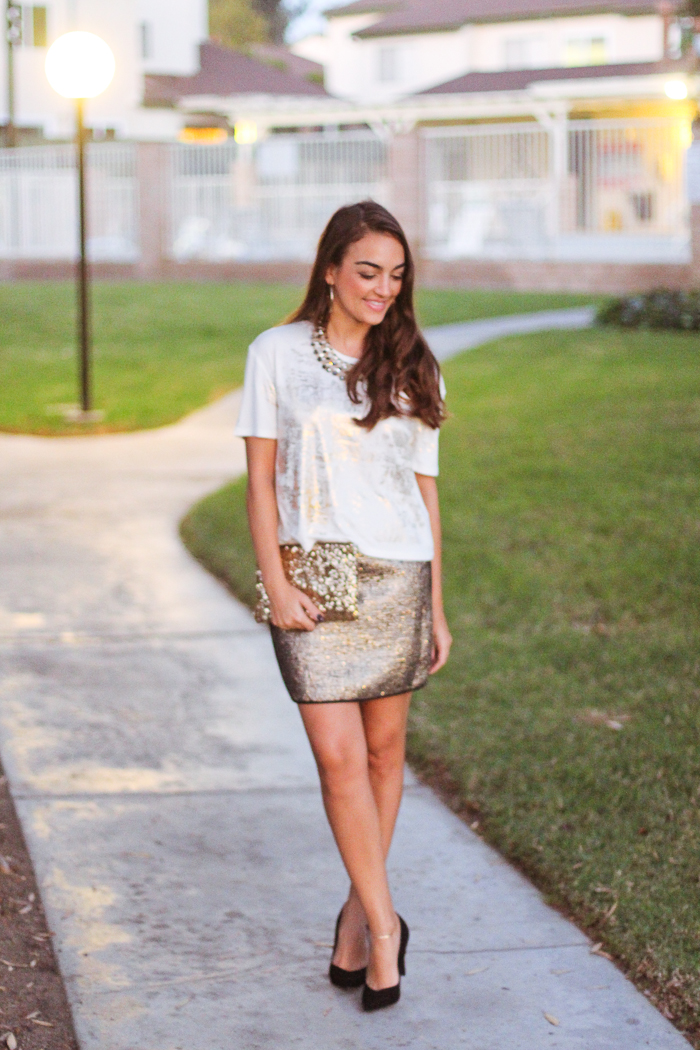holiday outfit idea gold sparkles