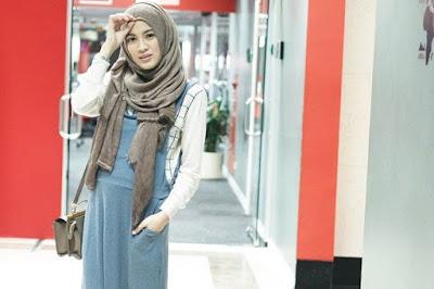 cara memakai jilbab segi empat untuk sekolah sma