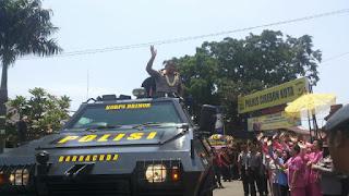 Polres Cirebon  Kota , Gelar Welcome and Farewell Parade Dengan Penghormatan Pedang Pora