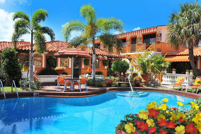 Discover the charm, beauty, and warmth of Old-World Mexico set in Blue Seas Courtyard Lauderdale-by-the-Sea, an idyllic Florida beachside setting.