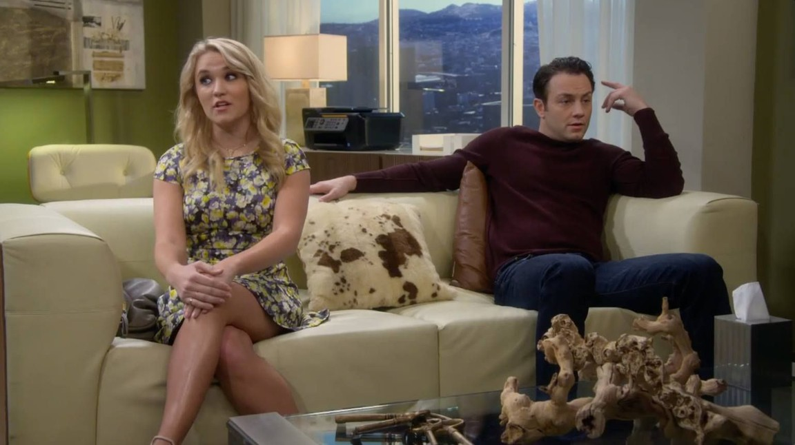 Young and Hungry - Season 3 Episode 5: Young & Therapy