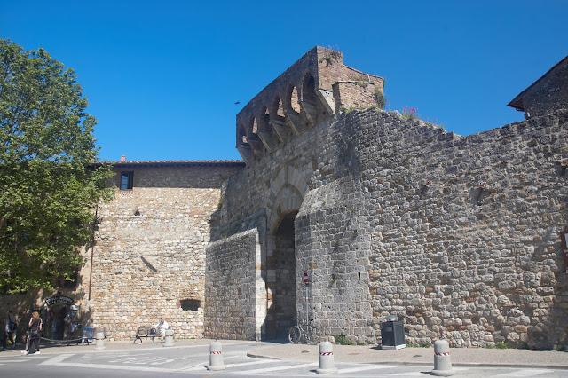 średniowieczne mury San Gimignano