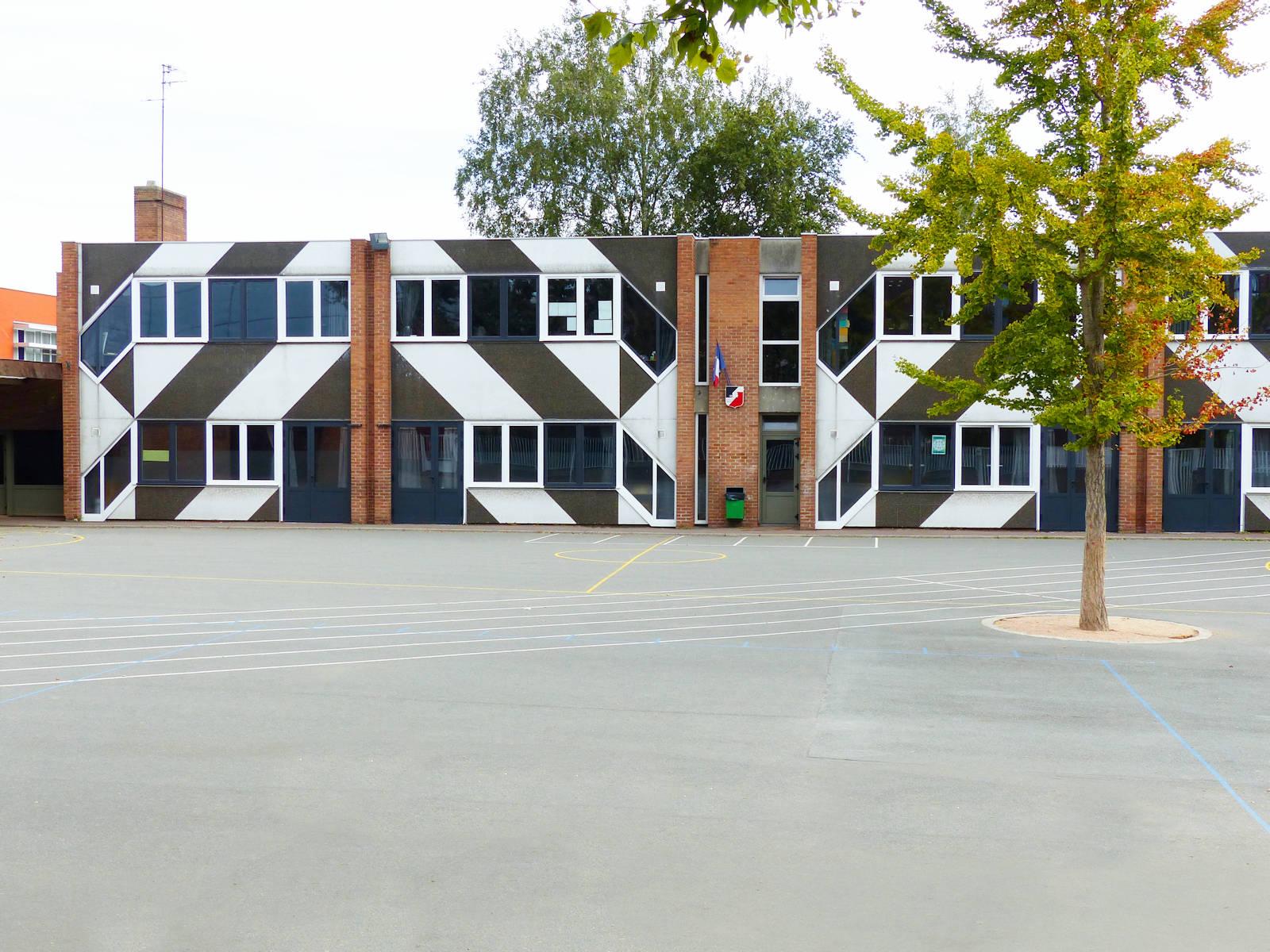 Cour de récréation, école Bonnot, Tourcoing.
