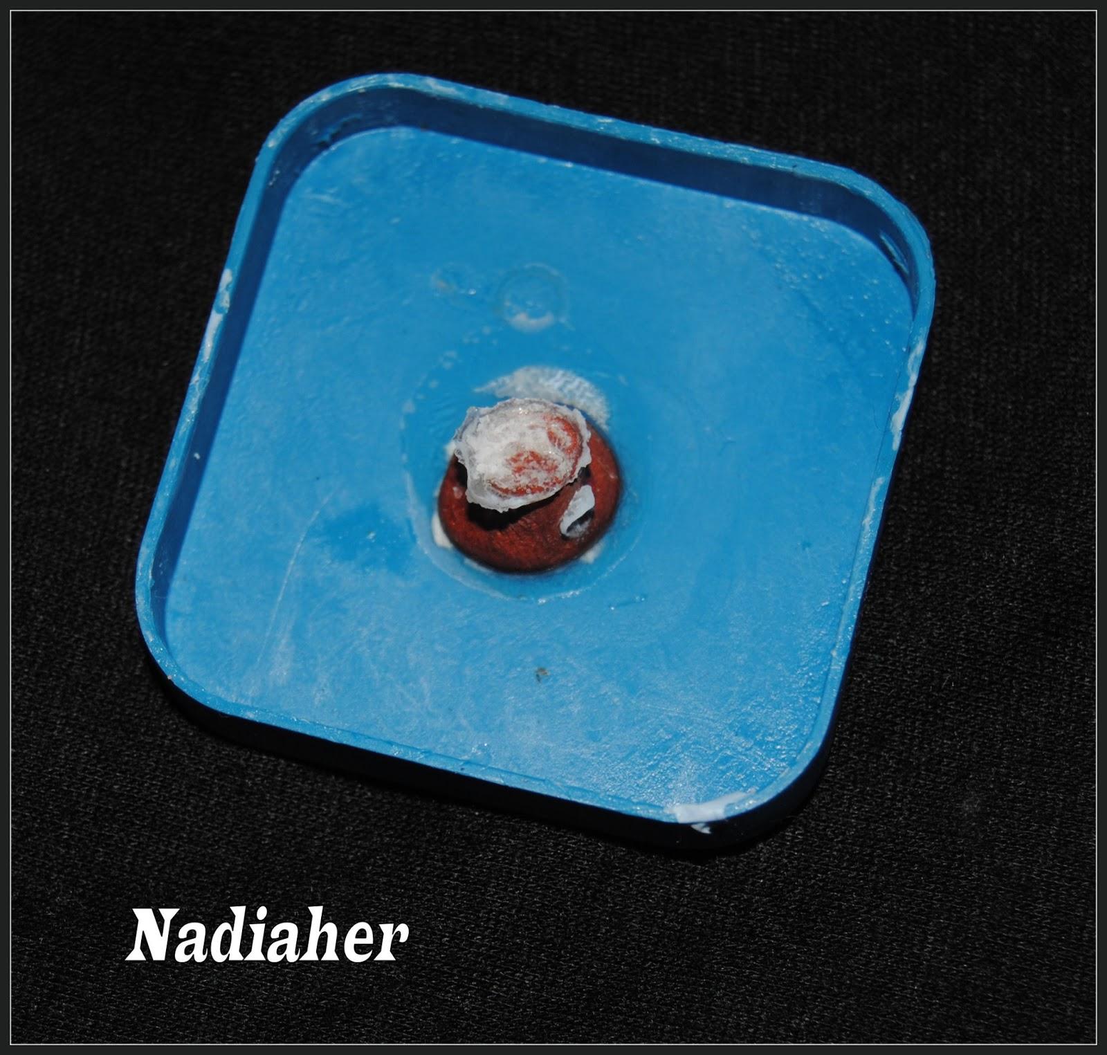les bijoux de nadia comment r aliser un moule sph re en silicon liquide. Black Bedroom Furniture Sets. Home Design Ideas