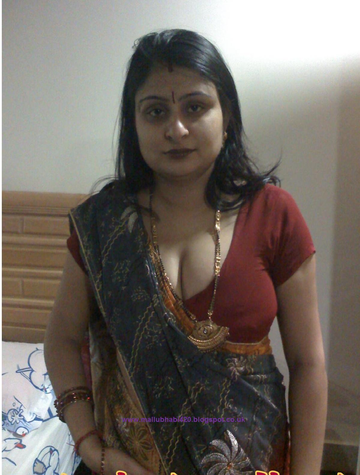 Hot Desi Girls  Mallus Desi Mallu Bhabhi Hot In Red -8485