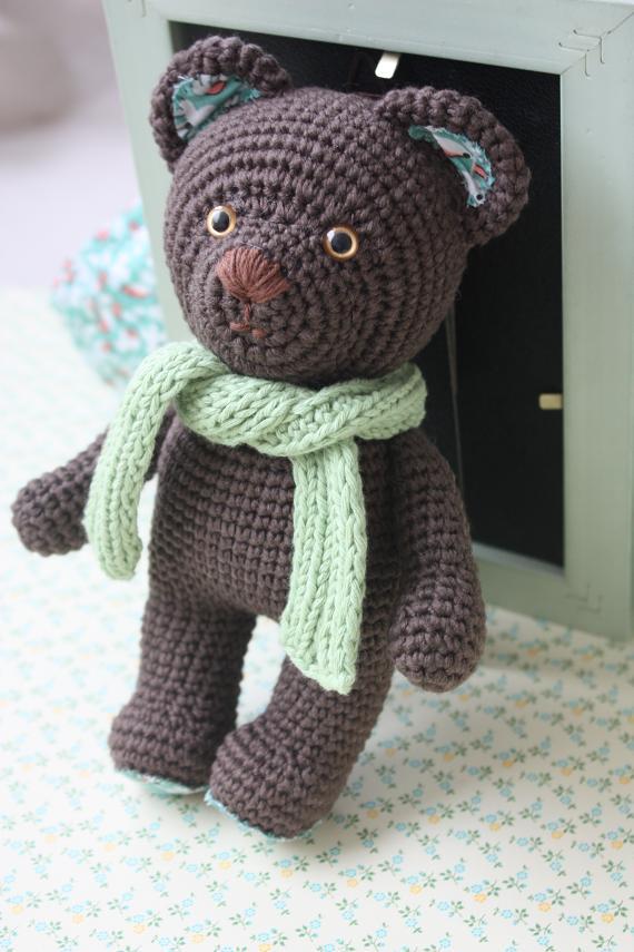 Free Crochet Pattern for an Amigurumi Teddy Bear in a Sweater ... | 855x570