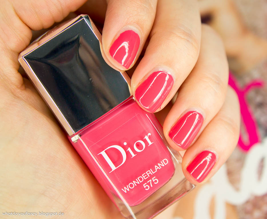 Mani Monday: Dior Wonderland