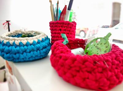cestas y lapicero de trapillo
