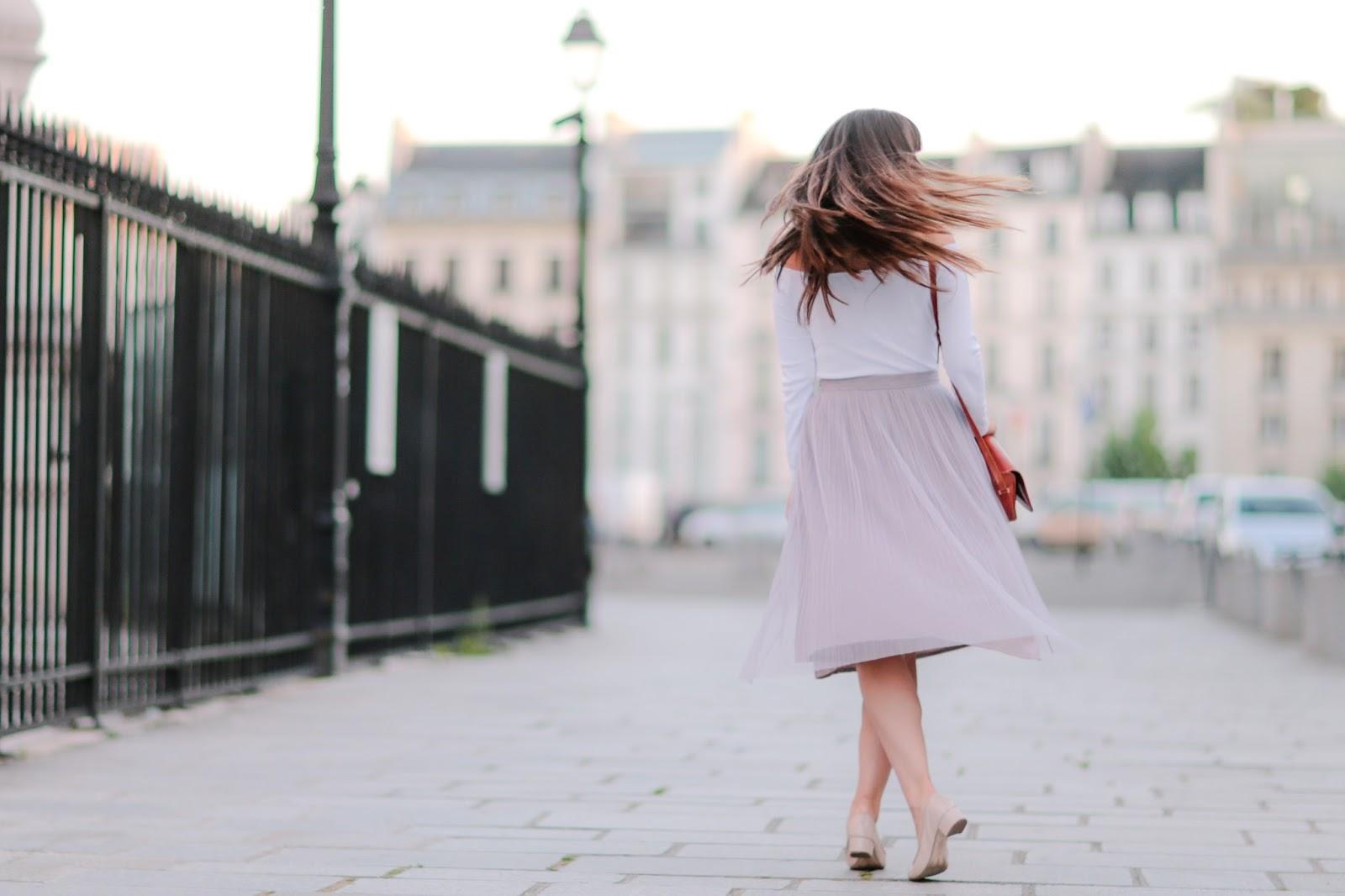 parisian fashion blogger, look, style, meetmeinparee, chic parisian style, off the shoulder top, asos , boohoo