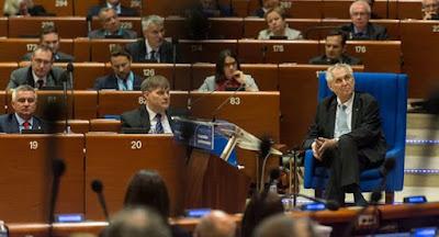 Президент Чехии Земан предложил Украине продать Крым