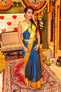 Preethi Telugu Model in Saree and Golde Jewellery At Manepally Jewellers Concept Theme Wedding Collection Launch
