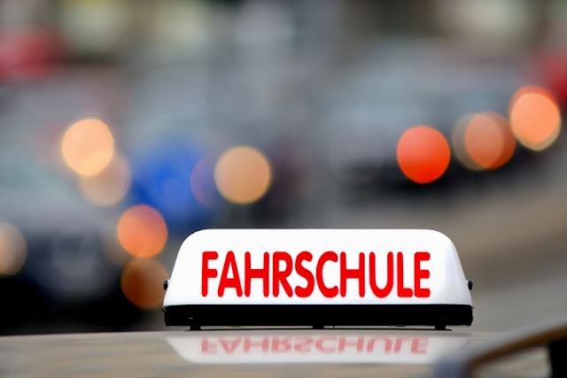 الآن بين يديك المرجع الشامل لامتحان قيادة السيارات في ألمانيا و باللغة العربية
