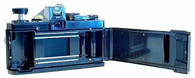 Olympus OM-2n, Film box