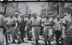 Resultado de imagen para fotos iconicas de la invasion estados unidos en RD en el 1965