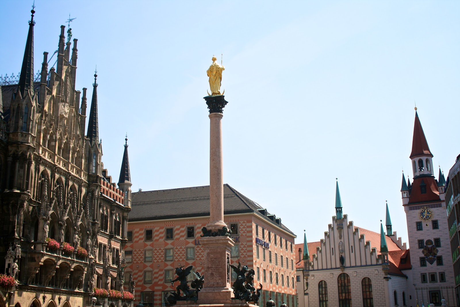 brooke munich germany a perfect place for history nerds and beer lovers. Black Bedroom Furniture Sets. Home Design Ideas