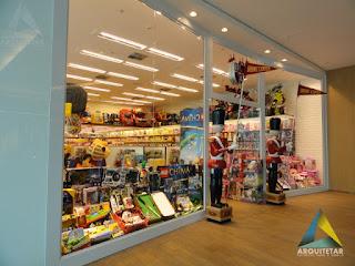 projeto arquitetura loja brinquedos vitrine