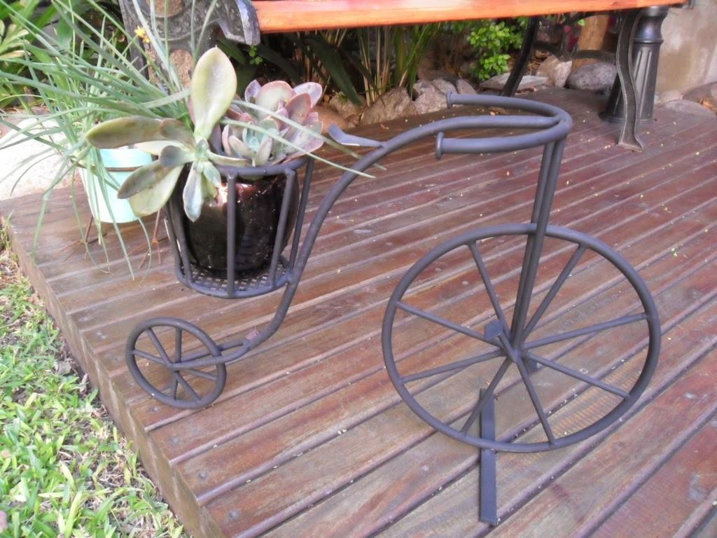 Bicicletas antiguas con porta macetas tienda deco c - Bicicleta macetero ...