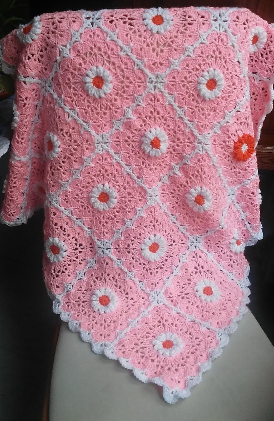 Crochet & Knitting: Pink Daisy Baby Blanket